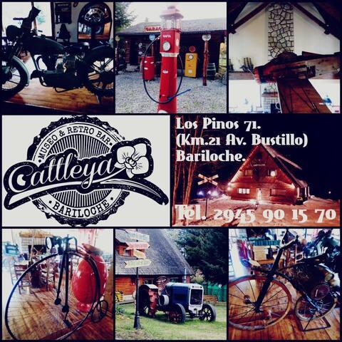 Cattleya Museo  Retro Bar! Un viaje al pasado!