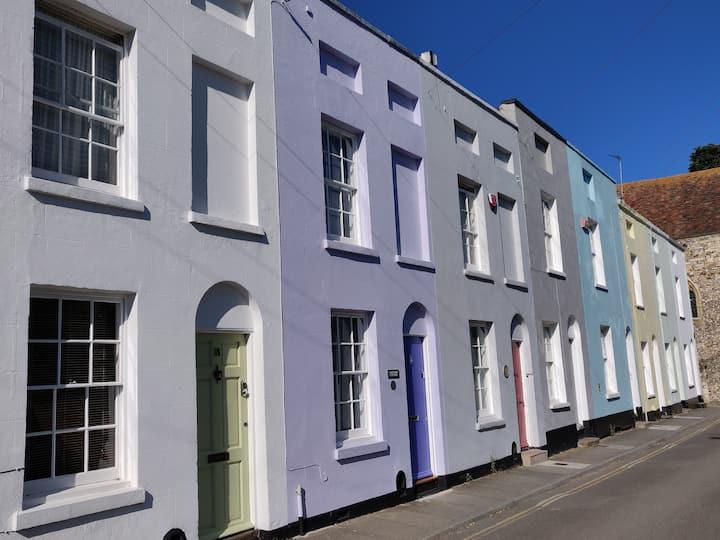 Lavender Cottage - A Little Gem in the Old City