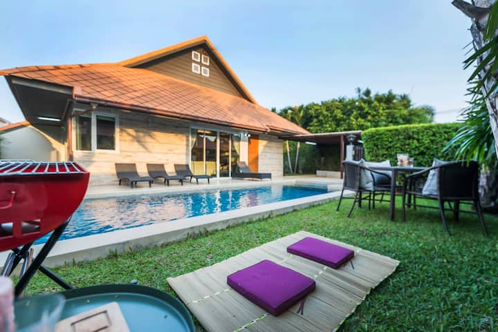 AnB Poolvilla Grand Modern 3BR Jomtien for 10pax