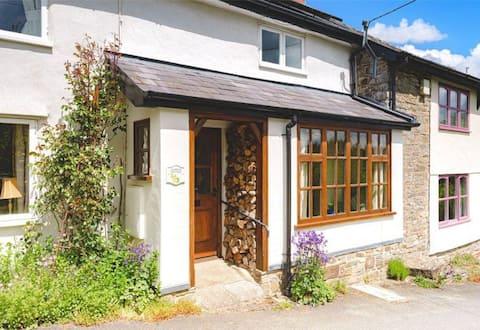 2 Bedroom traditional Welsh Cottage