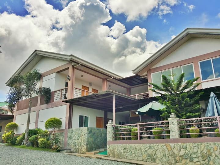 Popular Room Deluxe At Tagaytay City