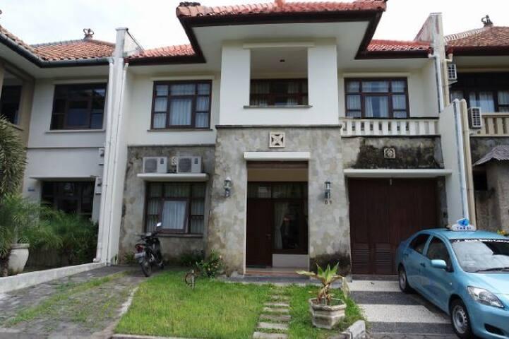 Villa Kuta Regency - Kuta Center - Kuta - House