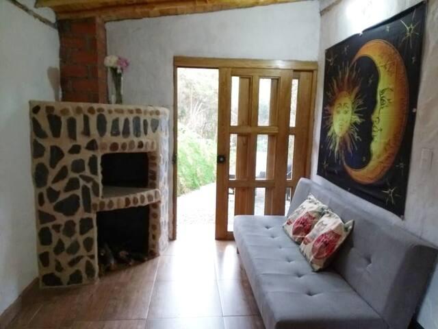 Hermosa y relajante cabaña en santa elena