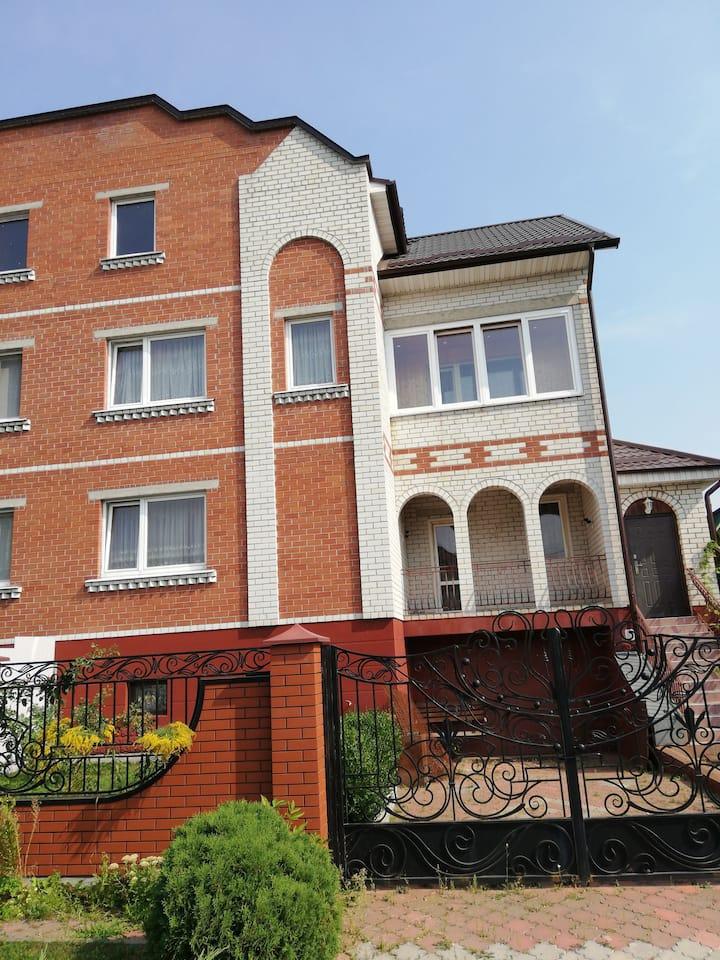 Дом сприкрасным видом на город Брест