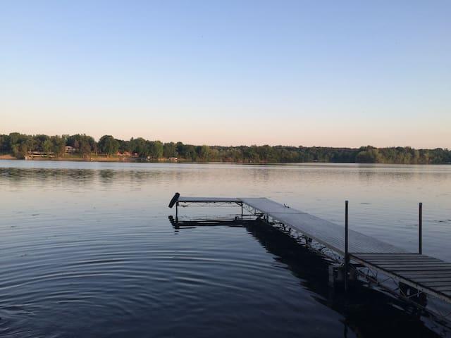 Lake side family Cabin - ริชมอนด์ - กระท่อม