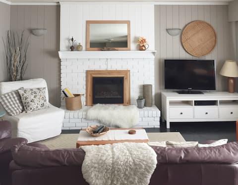 Eclectic Boho Garden Suite - 2 Bedroom