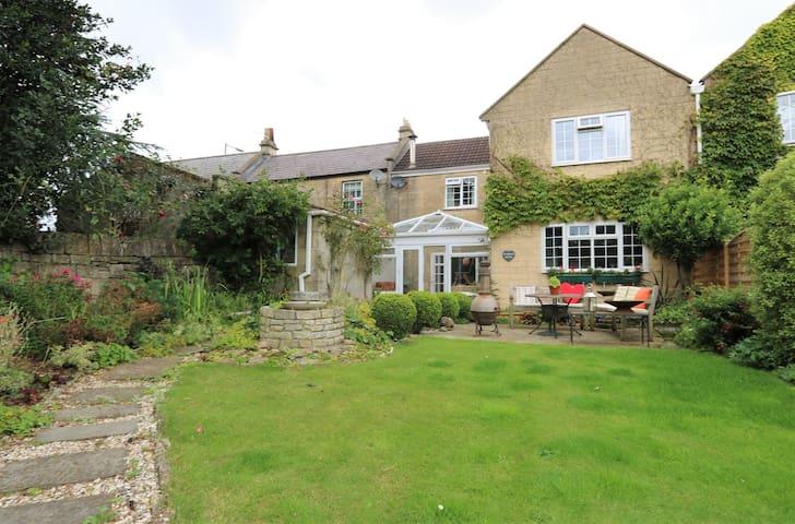 Bath, Cottage