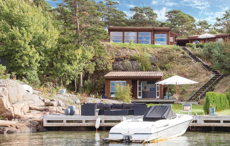 Holiday cottage with 5 bedrooms on 140 m² in Søgne