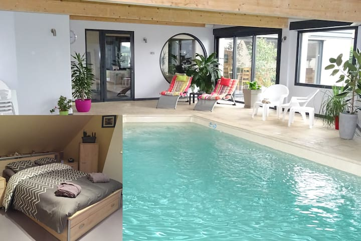 Chambre 1 ,piscine,billard,fitness - Dernancourt - House