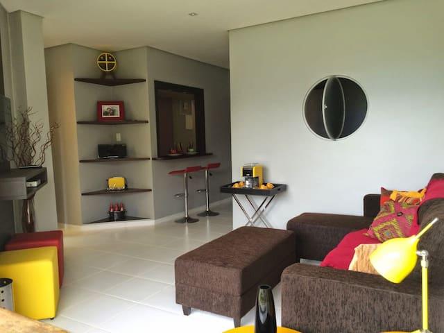 Lindo Apartamento Térreo dentro da Marina Bracuí