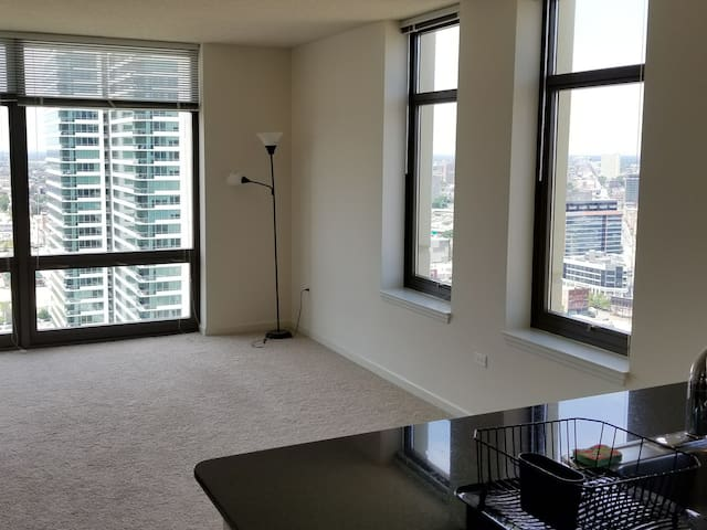 Gorgeous West Loop Condo!