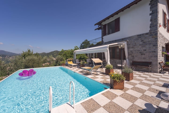 Scenic and secluded villa with swimming pool