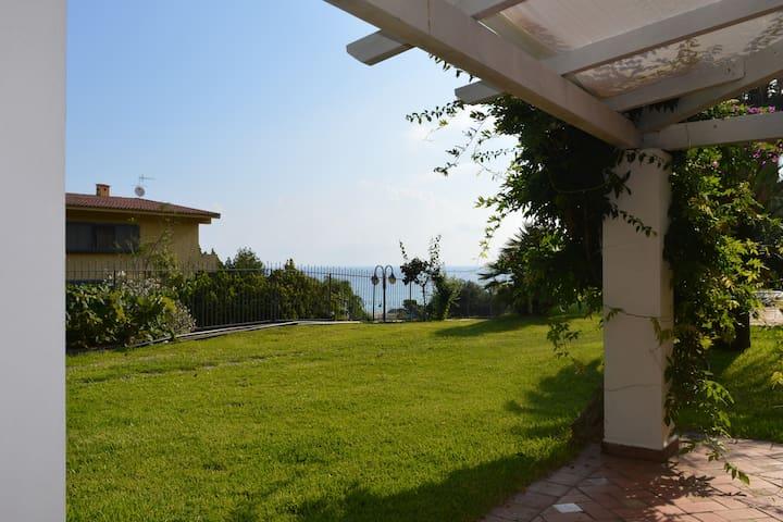 casa al mare Torre Faro- Mortelle
