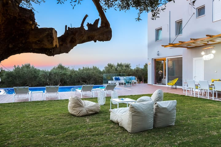 Villa Oceanna - 300m from beach! - Rethimnon