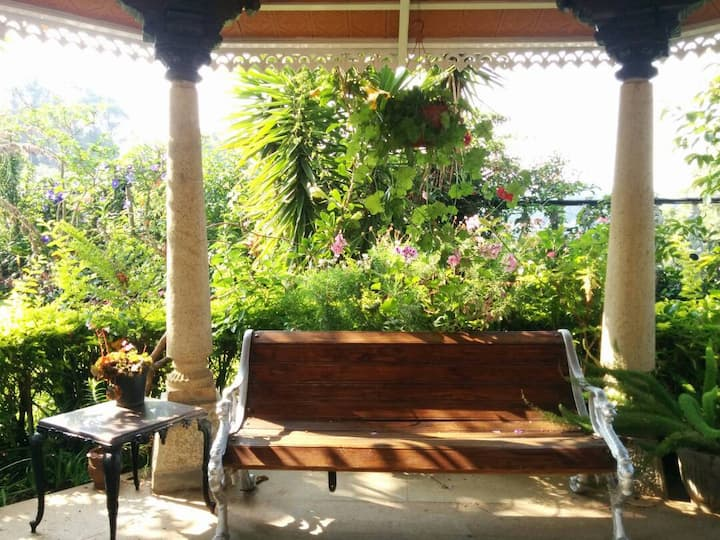 A room in the charming town of Coonoor