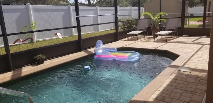 New. Tampa Bay Luxury Pool Hause.
