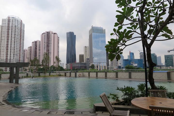 Swimming pool with an amazing city view