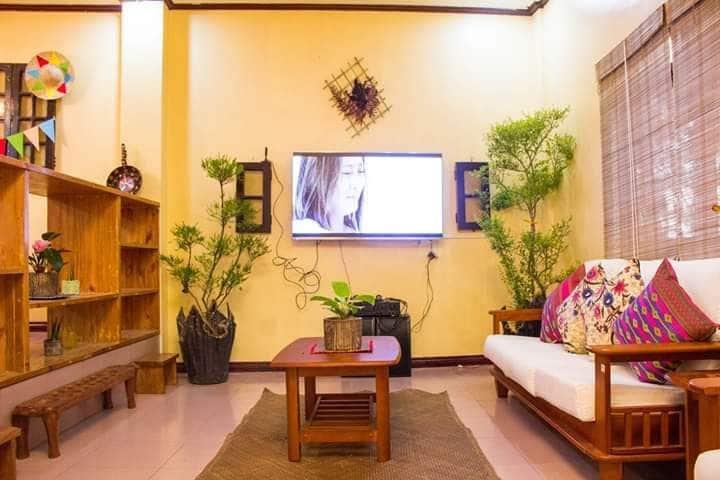 Casa Maria, 25-40pax Duplex with maids quarters
