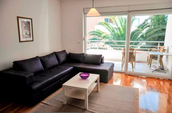 Wonderful 3-bedroom Apartment for 8 pax #107