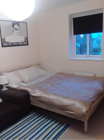 Shaftesbury  - Comfortable Guest Room