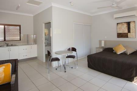 Retro St Studio Apartment