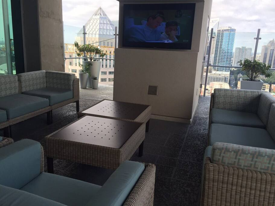 Skyhouse uptown 1 bedroom apt apartments for rent in charlotte north carolina united states for 1 bedroom apartment in charlotte nc