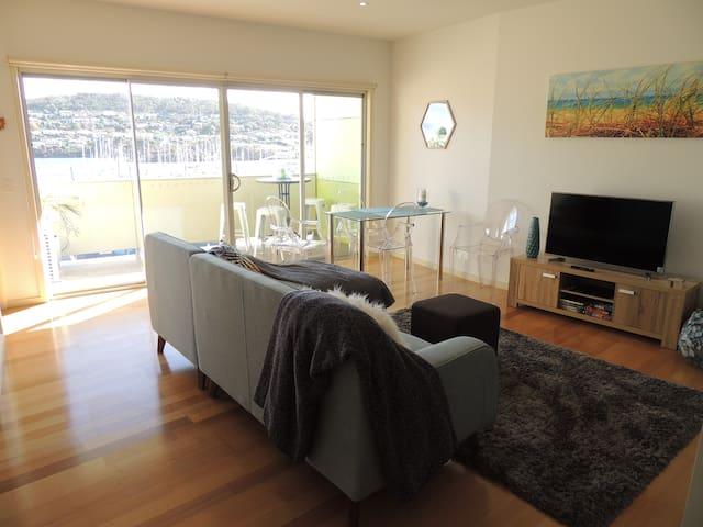 Bellerive Marina to Mountain View Apartment