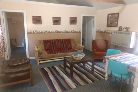 Cabin D 2bedroom Pet friendly cabin in Hatfield Wi