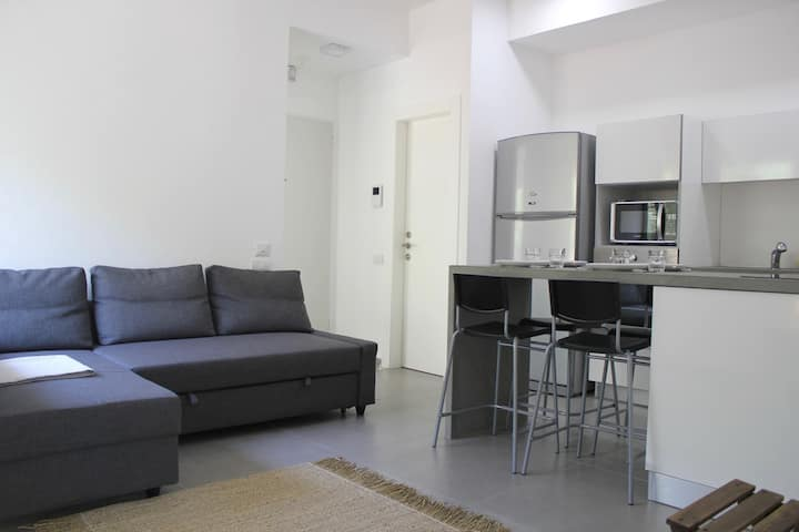 close to Hilton beach -2 bedrooms-balcony-modern