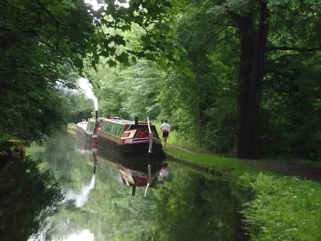 Long Weekend on Peak Forest Canal in Historic Boat - Ashton-under-Lyne - Tekne