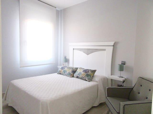 Apartamento Eleden Toledo blue con vistas Alcazar