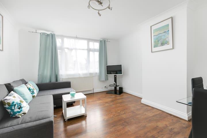 London Apartment  (10 MINS FROM SPURS STADIUM)