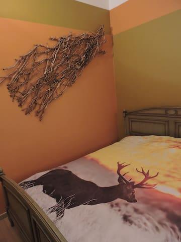 Chambre avec lit double - Waterloo - Appartement en résidence
