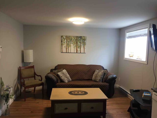 Beautiful Private One Bedroom Apartment