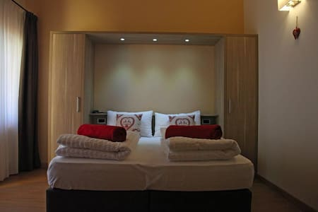 "Wonderful Suite ""SanMatteo"" in Residence in Pejo - Cogolo, Peio - Appartement"