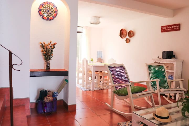 Casa Equipada 7 minutos de Antigua Guatemala -WIFI