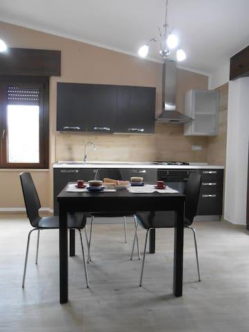 Monolocale con terrazza e splendida vista - Dorgali - Apartamento