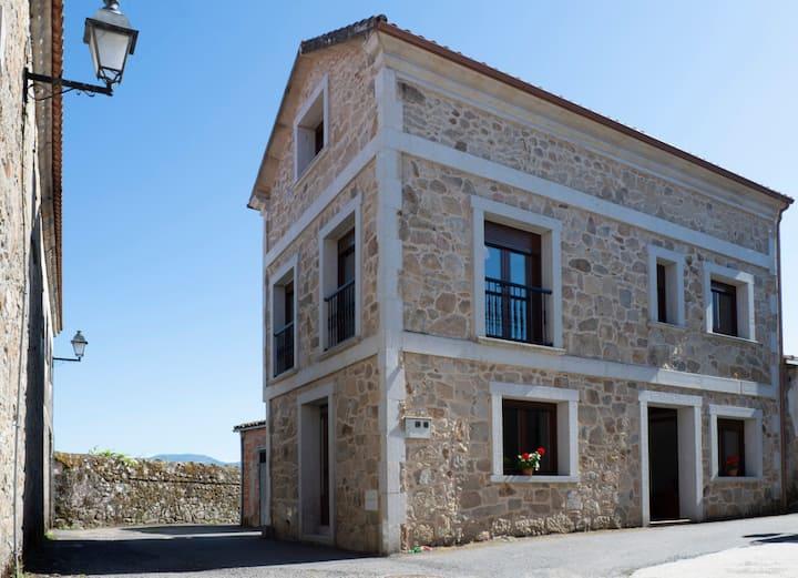 Casa Elías (Pantón, Ribeira Sacra)