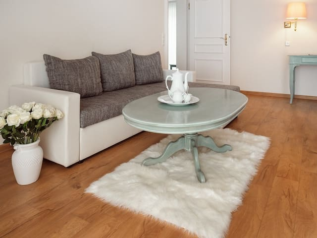 Geräumige Suite mit Ausblick, Frühstück & WLan