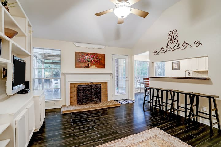 Spacious and Cozy 4 BR home in The Woodlands