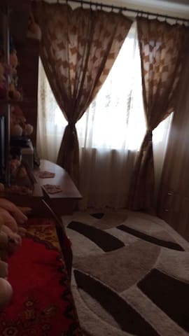 Great bedroom for vacation.Can be rented long term