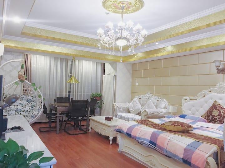 万达浪漫温馨大床房