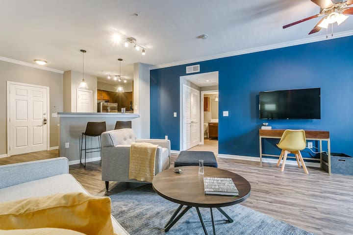 Accessible 1BR w/ Pool in Historic West End