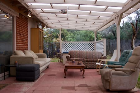 Home in Quiet Neighborhood 10 Min from Downtown - Tucson