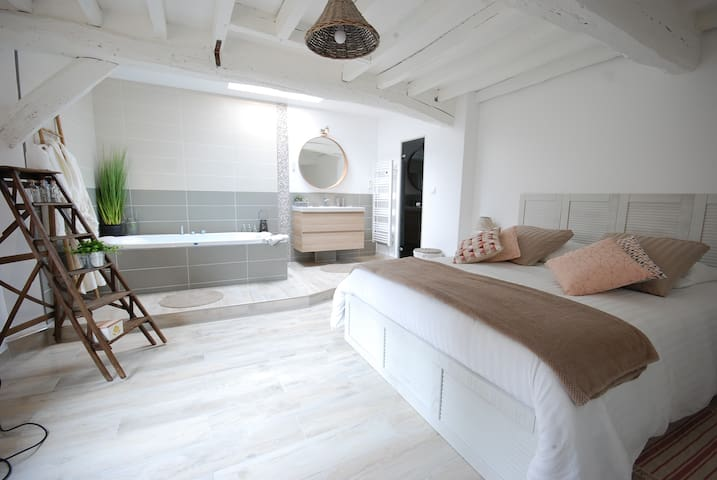 Whole cottage with private SPA & SteamRoom