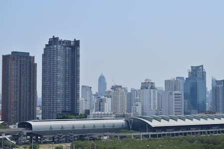MRT Ram 9/Stunning View/Pool & Gym. - Appartamento