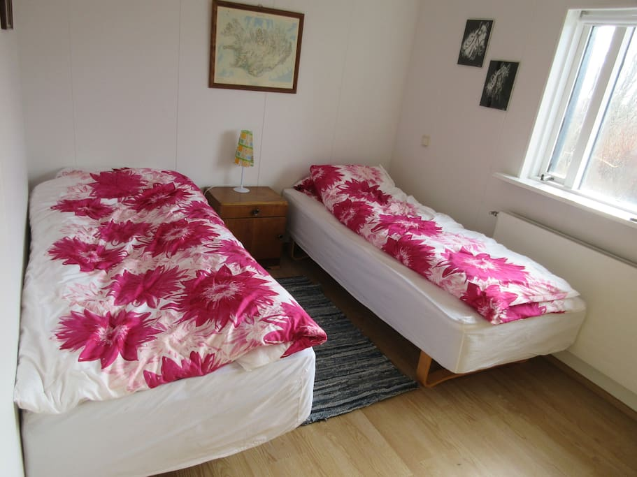 Room 1, two twin beds