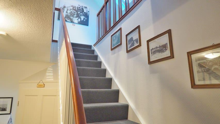 2. Treppe zum Zimmer