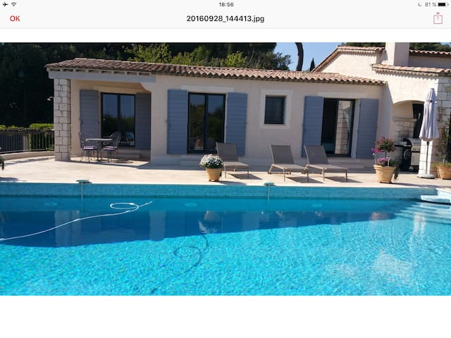 Chambre double dans villa de charme - Biot - Huis
