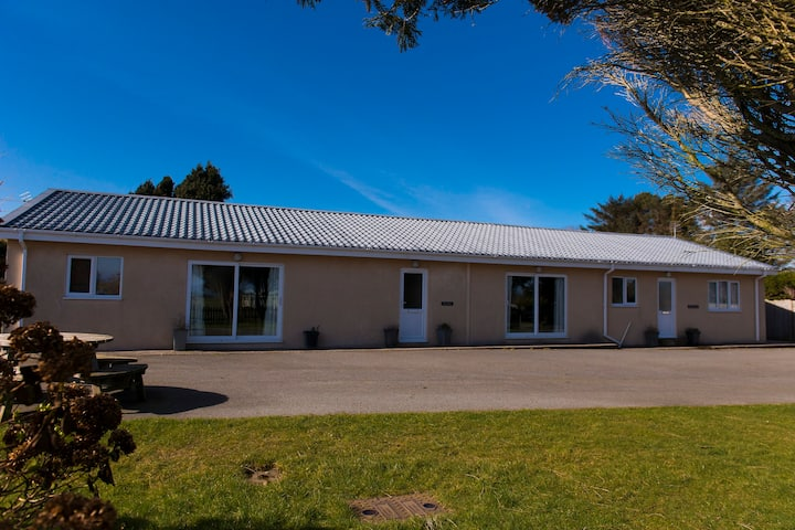 Contemporary 3 Bedroom Bungalow near Abersoch